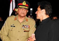 Pakistan army chief promotes 6 generals