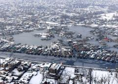 PHOTOS: Kashmir turns white after fresh snowfall