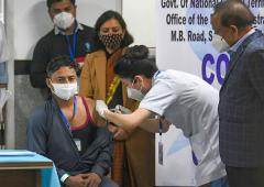 PIX: India takes 1st step to end COVID with vaccine