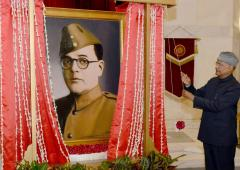 Prez unveils portrait of Netaji at Rashtrapati Bhavan