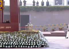 R-Day: Modi pays tribute to soldiers at War Memorial