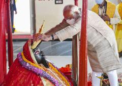 PIX: Modi prays at ancient Kali temple in Dhaka