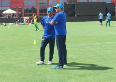 Should Dhoni continue? Kumble 'not sure'
