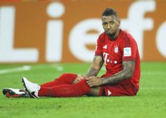 Boateng urges players to take knee in Champions League