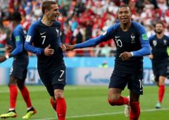 SEE: France World Cup winners cheer for health workers