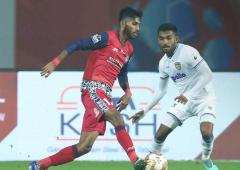 Indian football: Jamshedpur steal a point