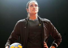 Sindhu's 'I retire' post sends Twitter into a tizzy