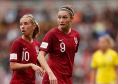 Soccer Extras: England women hope FA to address pay gap