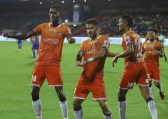 ISL: Goa go top after goal-fest in Mumbai