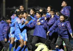 Indian football team clinches SAFF U-15 Women's C'ships