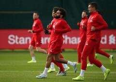 Champions League: Will Liverpool's Salah play at Genk?