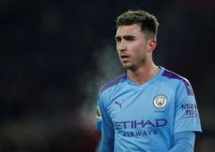 Heart-warming gesture by Manchester City's Laporte