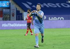 ISL: Le Fondre stars as Mumbai crush East Bengal 3-0