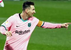 Messi breaks Pele's record with 644th goal for Barca