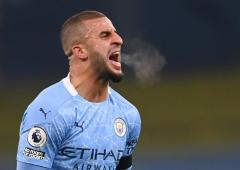 Man City's Jesus, Walker test positive for COVID-19
