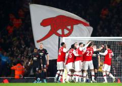 Arsenal announce pay cuts for players, coaching staff