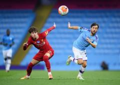 Klopp, Guardiola defend Liverpool's attitude