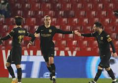 Football PIX: Barca rally to reach Copa semis
