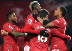 EPL: Man United close in on Liverpool with Villa win