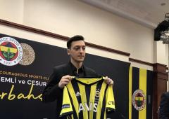 Ozil unveiled at Turkish club Fenerbahce