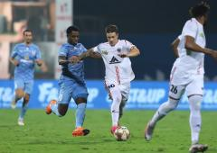 Indian football: NorthEast United stun Mumbai City