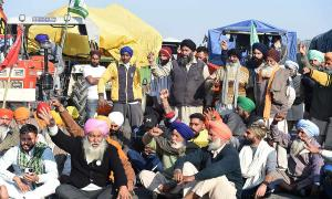 Talk to farmers now, defuse tension: Amarinder to govt