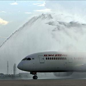Will the NEW Boeing 787 Dreamliner save Air India?