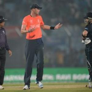 McCullum takes Kiwis past England in rain-ruined game