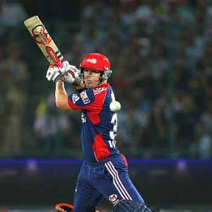Sehwag, Warner script Delhi's much needed win