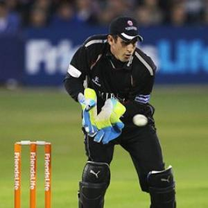 England drop Collingwood and Prior for ODIs