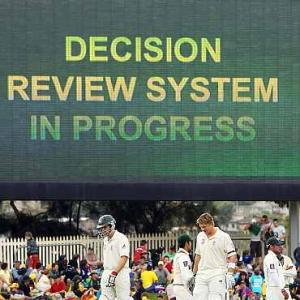 Two additional reviews after 80 overs in Tests from Oct 1