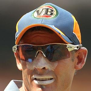 Hussey has a big role to play in World Cup: Clarke