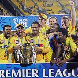 Images: Vijay, Hussey help Chennai crush RCB to retain IPL title