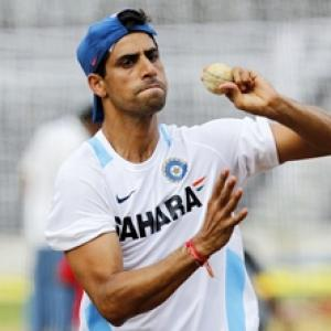 Nehra rues fielding lapses, not playing full 20 overs