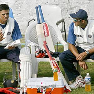 Kumble calls for a special meeting with Dravid, Dhoni and Kohli