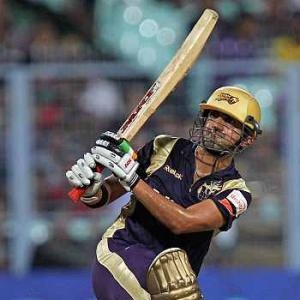 Kolkata thrash Delhi by 18 runs to qualify for final