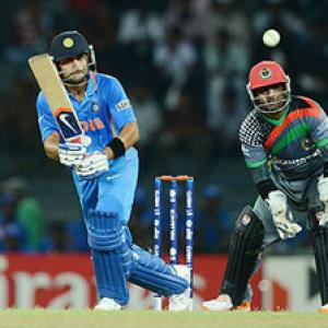 Kohli first Indian to post three consecutive 50s in T20s