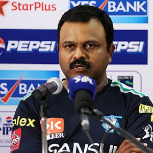 IPL: Amre defends decision to bowl Dinda at death