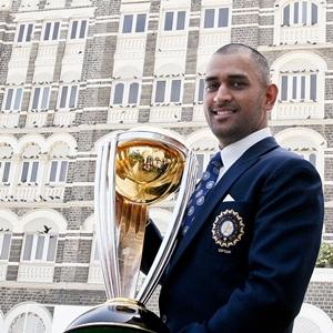 Unfair to compare Dhoni with former captains: Gavaskar