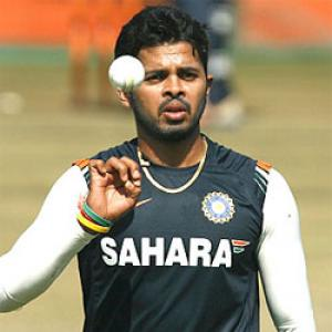 Sreesanth, two other RR players held over spot-fixing
