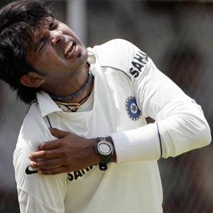 Mumbai police seize cash, laptop from Sreesanth's room
