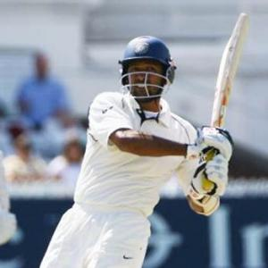 Jaffer's 50th first class ton rescues Mumbai