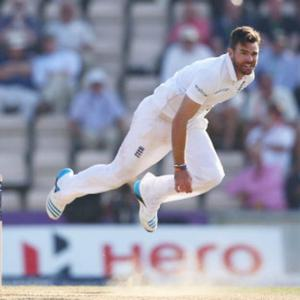 Anderson has no need to change aggressive style, says Cook