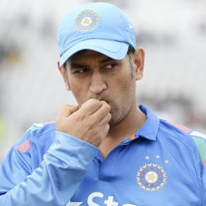 Stats: Dhoni improves captaincy record; best figures for Ashwin