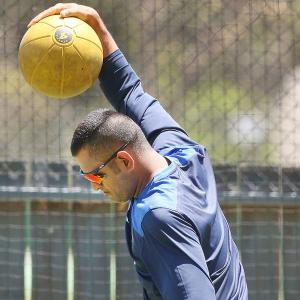 Dhoni unconcerned about India's poor record at Gabba