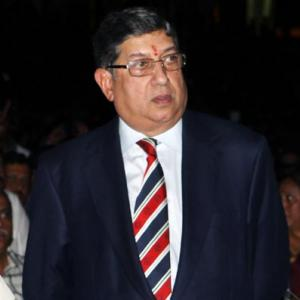 BCCI buys time for Srinivasan; calls Working Committee meet on Sep 26