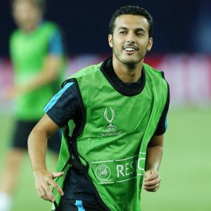 Chelsea pull off dramatic swoop to sign Barca's Pedro