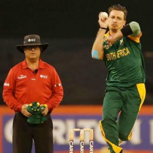 Steyn returns to competitive cricket with eye on World T20
