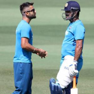 Learnt a lot from Dhoni seeing the way he made decisions: Kohli