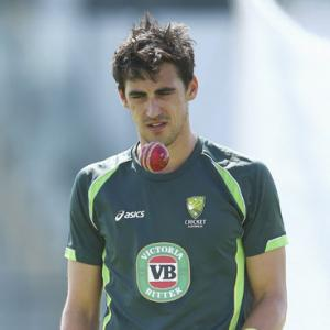 Starc replaces Johnson in Australia lineup for Sydney Test